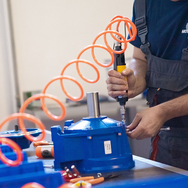 Centrum montażu przekładni i motoreduktorów